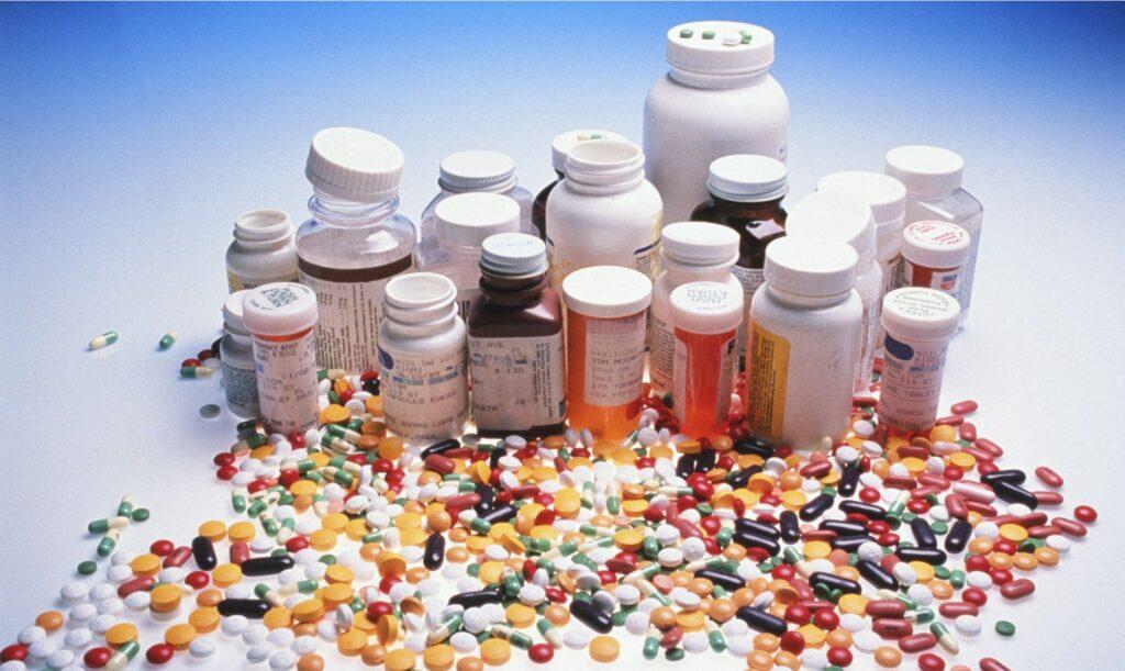 Como descartar remédios vencidos?
