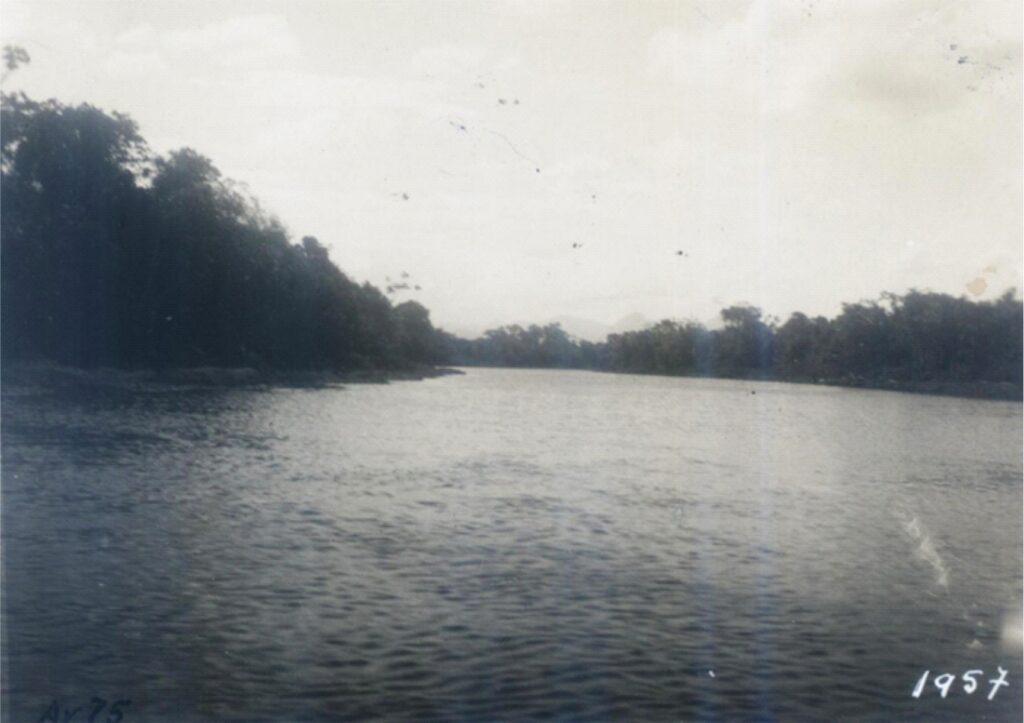 Rio e lagoa de Imboacica em 1957. Foto do DNOS