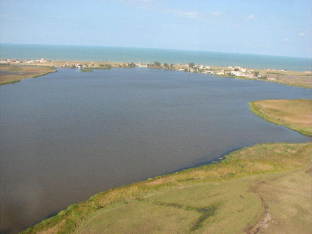 Aspecto da lagoa de Carapebus
