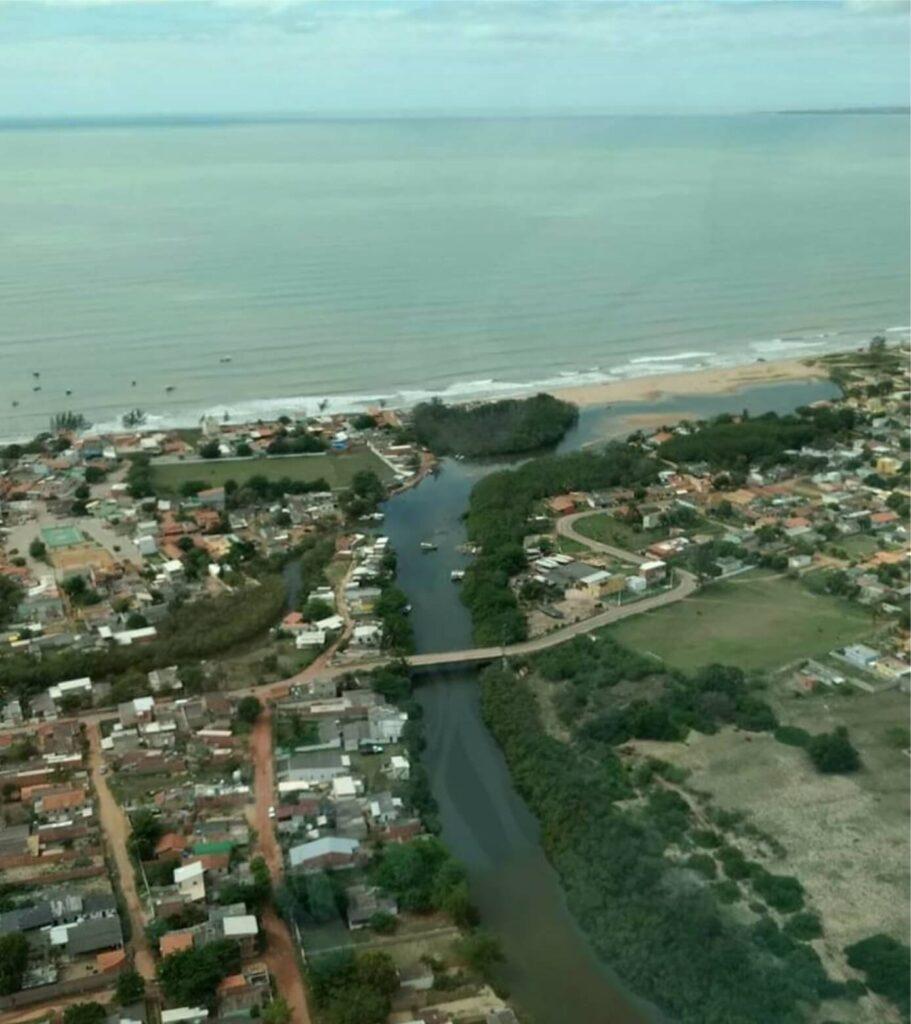 Foz do rio Guaxindiba